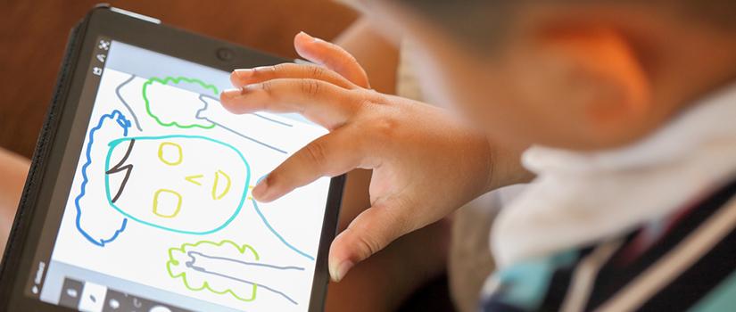 A influência da tecnologia no desenvolvimento das crianças